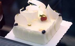 青岛新东方学生作品——猕猴桃水果蛋糕