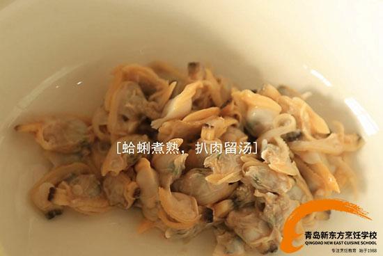 舌尖上的年夜饭:小黄瓜炒蛤蜊肉,盎然生机从餐桌开始