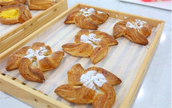 青岛学习面包蛋糕制作哪家好407.jpg