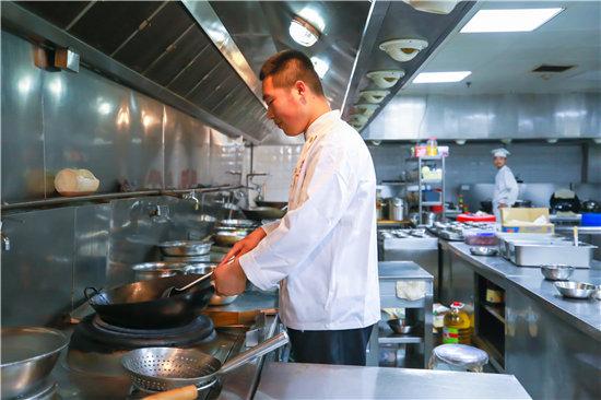 為什么學廚師一定要到正規的學校去學習?