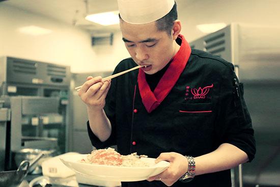 成功學子|殷志龍:萬達荷花泰廚師長