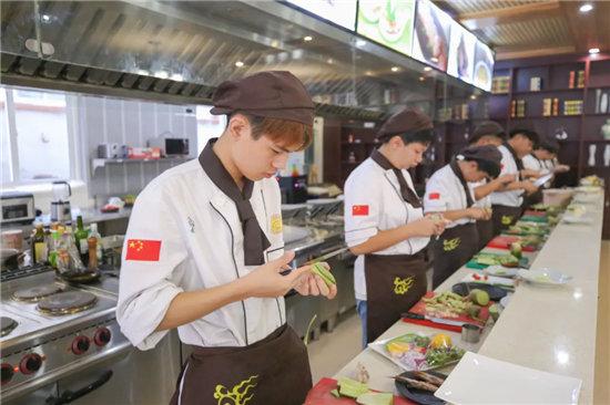 【開學季】學廚師,就選青島新東方,2021春招火